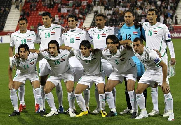 Iraq-13-PEAK-away-kit-white-white-white-line-up.jpg