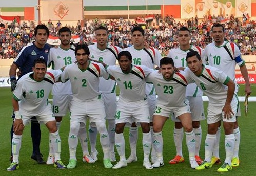 Iraq-14-PEAK-away-kit-white-white-white-line-up-11.jpg