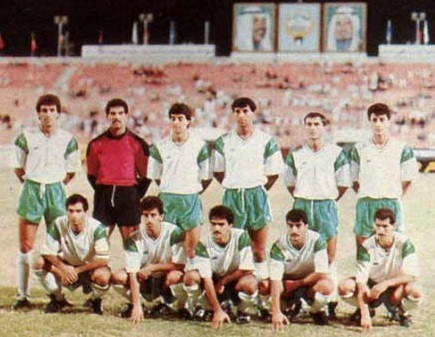 Iraq-1989-no-name-kit-white-green-white-line-up.jpg