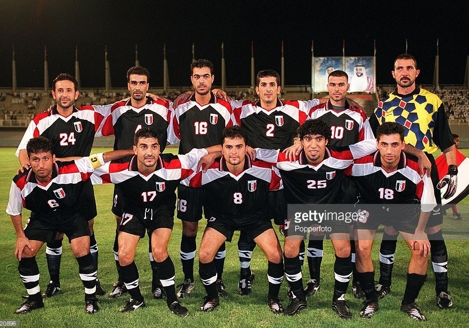 Iraq-2001-no-name-home-kit-black-black-black-line-up.jpg