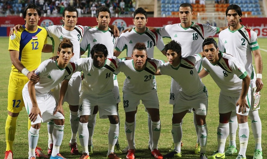 Iraq-2013-2014-PEAK-home-kit-white-white-white-group-photo.jpg