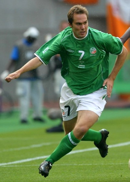 Ireland-02-03-UMBRO-home-kit-green-white-green.jpg