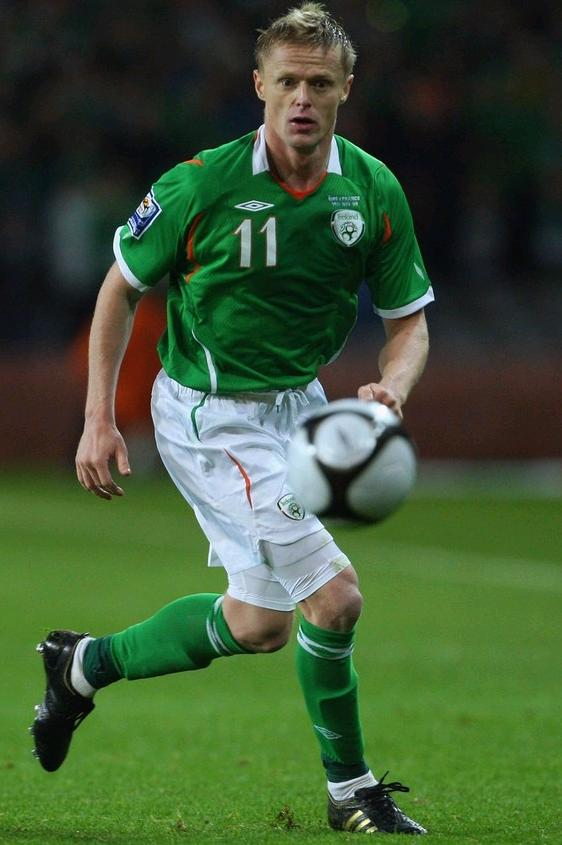 Ireland-08-09-UMBRO-uniform-green-white-green.JPG
