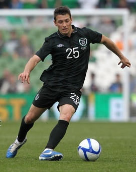 Ireland-13-14-UMBRO-away-kit-black-black-black.jpg