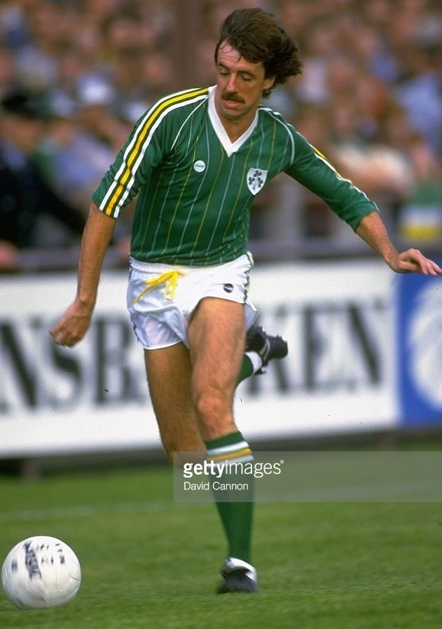 Ireland-1984-85-adidas-home-kit-green-white-green.jpg