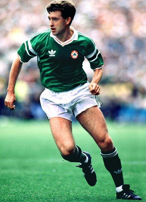 Ireland-1988-89-adidas-home-kit-green-white-green.jpg