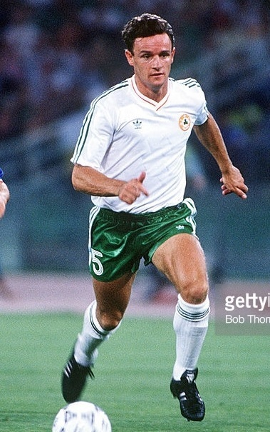 Ireland-1990-adidas-world-cup-away-kit-white-green-white.jpg