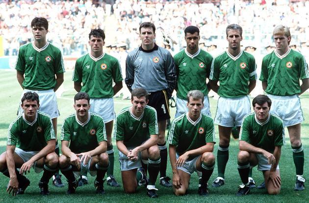 Ireland-1990-adidas-world-cup-home-kit-green-white-green-line-up.jpg