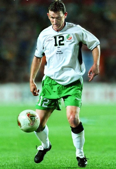 Ireland-2002-UMBRO-world-cup-away-kit-white-green-white.jpg