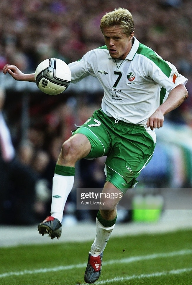 Ireland-2003-UMBRO-away-kit-white-green-white.jpg