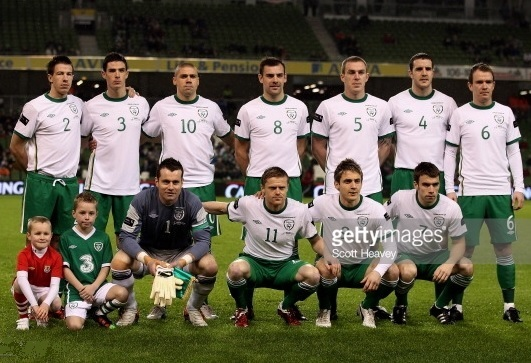 Ireland-2011-12-UMBRO-away-kit-white-green-green-line-up.jpg