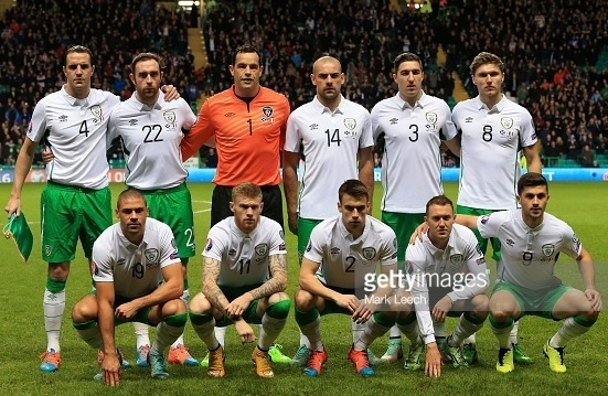 Ireland-2014-15-UMBRO-away-kit-white-green-white-line-up.jpg