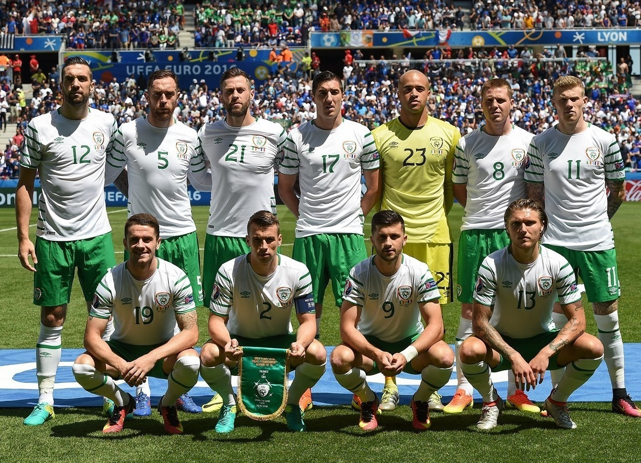 Ireland-2016-UMBRO-EURO-away-kit-white-green-white-line-up.jpg