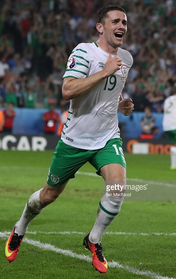 Ireland-2016-UMBRO-away-kit-white-green-white.jpg