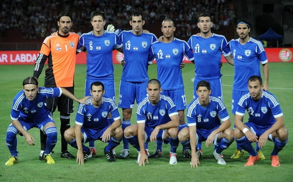 Israel-12-13-adidas-home-kit-national-flag-blue-blue-blue-line-up.jpg