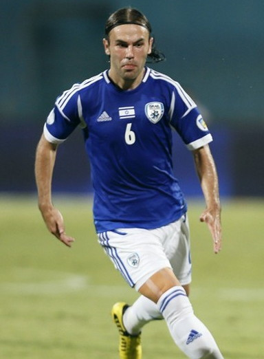 Israel-12-13-adidas-home-kit-national-flag-number-blue-white-white.jpg