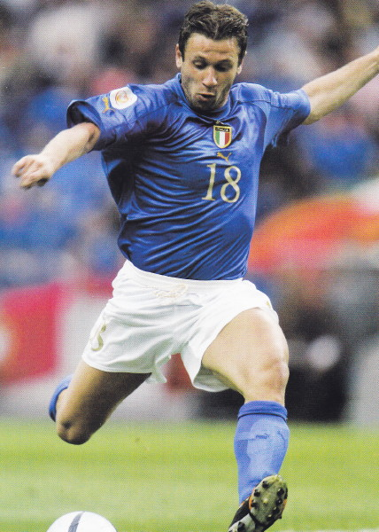 Italy-04-05-PUMA-home-kit-blue-white-blue.jpg