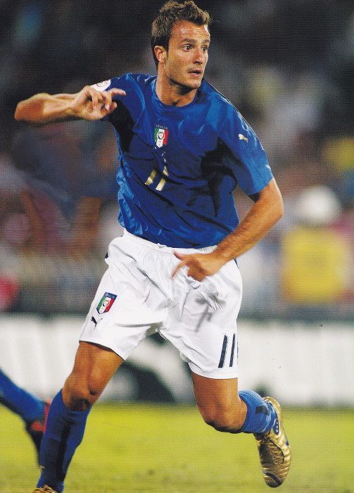 Italy-06-07-PUMA-home-kit-blue-white-blue.jpg