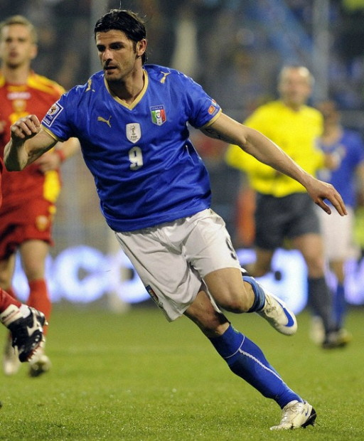 Italy-08-09-PUMA-home-kit-emblem-blue-white-blue.jpg