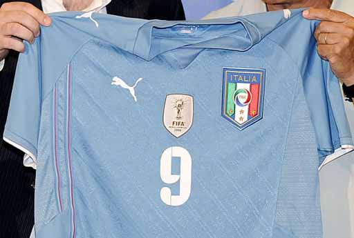 Italy-09-PUMA-Confederations Cup-light blue-white-brown-2.JPG