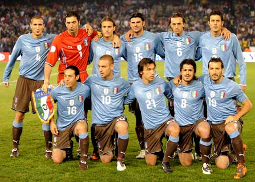 Italy-09-PUMA-uniform-light blue-brown-brown-group.JPG