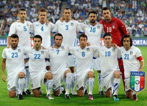 Italy-10-11-PUMA-EURO-away-kit-white-white-white-line-up.jpg