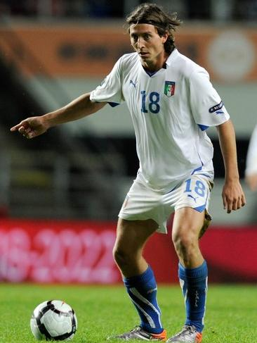Italy-10-11-PUMA-away-kit-white-white-blue.JPG