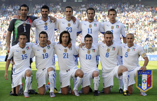 Italy-10-11-PUMA-away-kit-white-white-white-pose.JPG