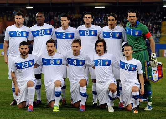 Italy-12-13-PUMA-away-kit-white-white-white-line-up.jpg