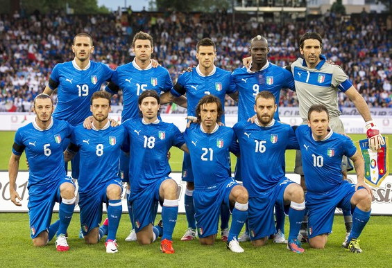 Italy-12-13-PUMA-home-kit-blue-blue-blue-line-up.jpg