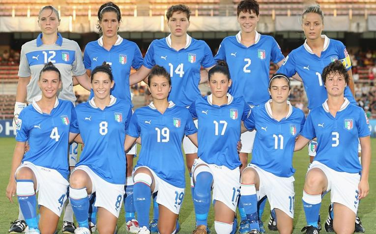 Italy-12-PUMA-U20-women-home-kit-blue-white-blue-line-up.JPG