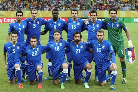 Italy-13-PUMA-confederations-cup-home-kit-blue-blue-blue-line-up.jpg