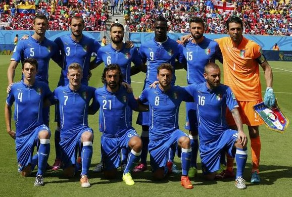 Italy-14-15-PUMA-home-kit-blue-blue-blue-line-up.jpg