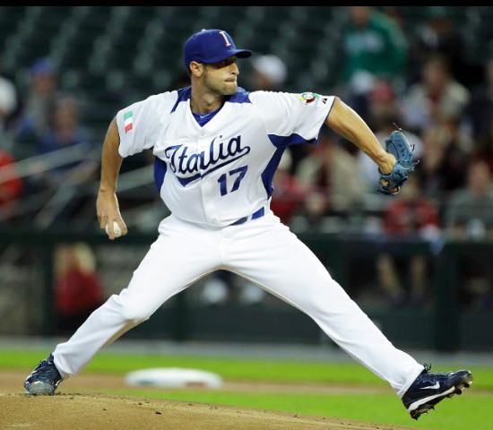 Italy-2013-WBC-home-uniform.jpg