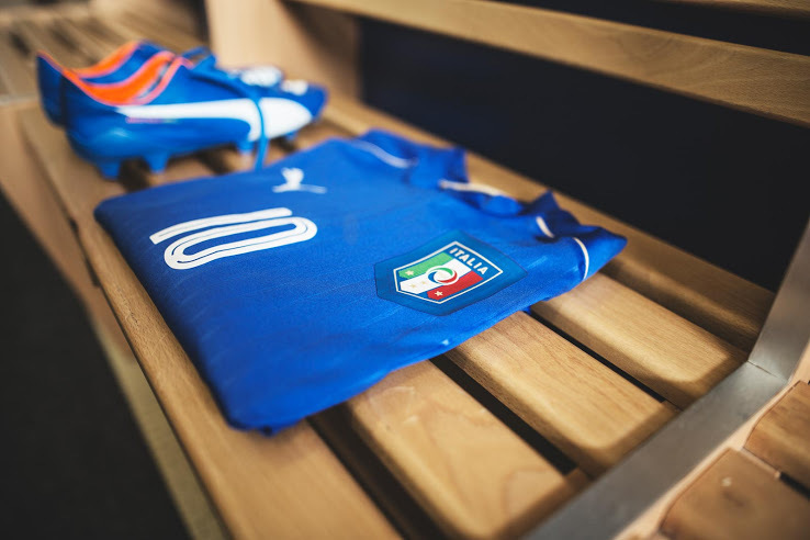 Italy-2016-PUMA-new-home-kit-14.jpg