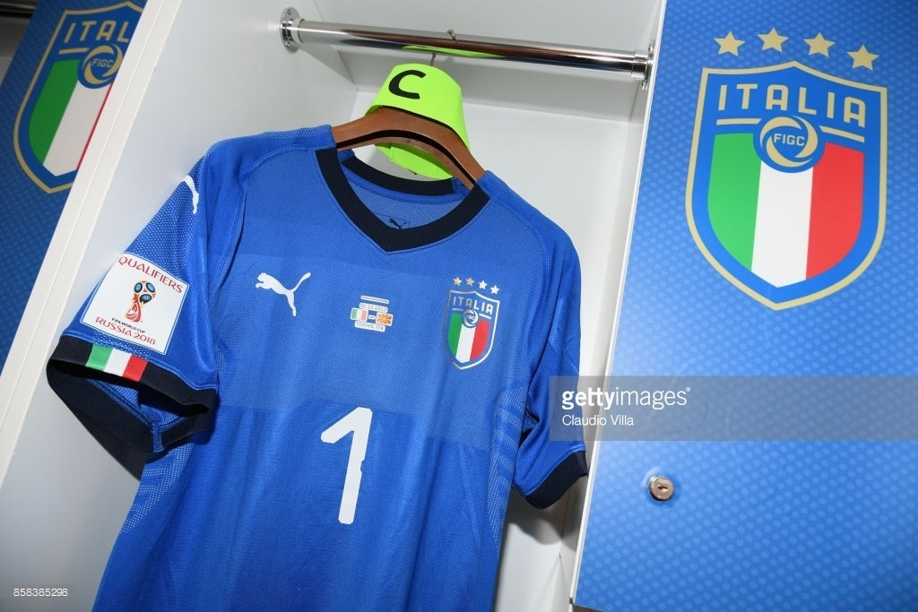 Italy-2018-world-cup-home-kit-Gianluigi-Buffon-3.jpg