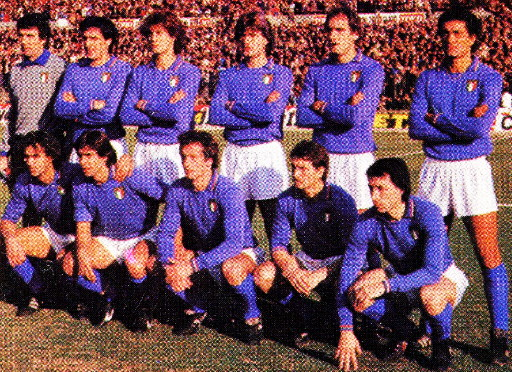 Italy-81-unknown-home-kit-blue-white-blue-line-up.jpg