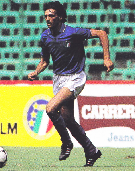 Italy-85-diadora-home-kit-blue-white-blue.jpg