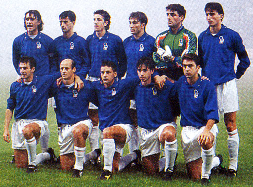 Italy-94-DIADORA-numberless-blue-white-white-group.JPG