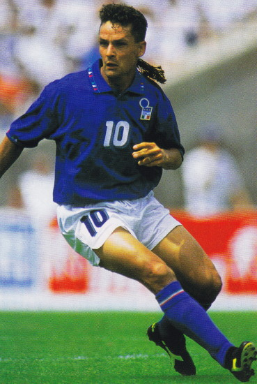 Italy-94-DIADORA-world-cup-home-kit-blue-white-blue.jpg