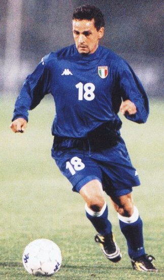 Italy-99-00-Kappa-home-kit-blue-blue-blue.jpg