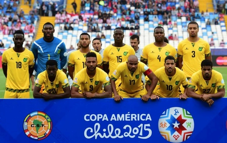 Jamaica-2015-romai-Copa-America-home-kit-yellow-yellow-yellow-line-up.jpg