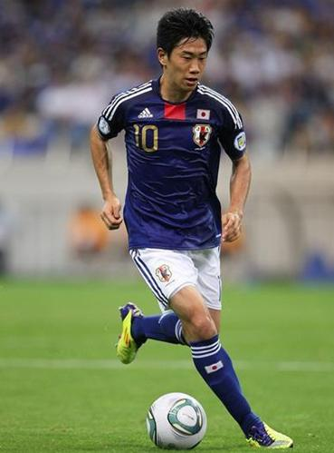 Japan-10-11-adidas-gold-number-home-kit-blue-white-blue.JPG
