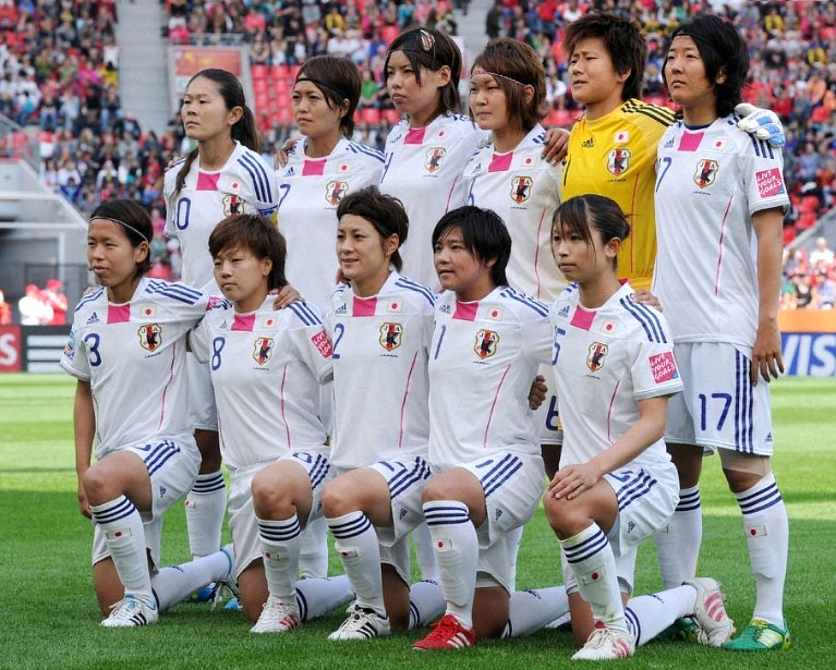 Japan-11-adidas-Nadeshiko-world-cup-away-kit-white-white-white-line up.JPG