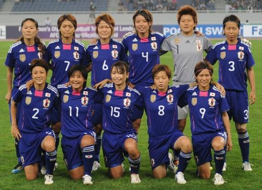 Japan-11-adidas-nadeshiko-world-cup-champion-badge-home-kit-blue-blue-blue-line up.jpg