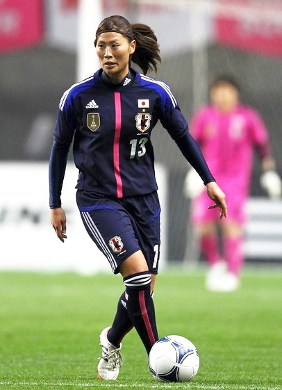 Japan-12-13-adidas-women-home-kit-deep20blue-deep-blue-deep20blue-4.jpg