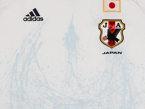Japan-12-adidas-new-away-shirt-2.jpg