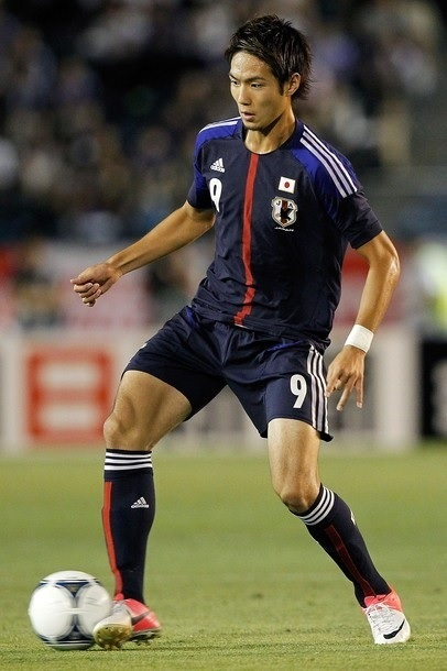 Japan-2012-adidas-U23-home-kit-120711-Kenyu-Sugimoto.jpg