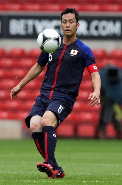 Japan-2012-adidas-U23-home-kit-120718-Maya-Yoshida.jpg