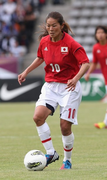 Japan-2012-adidas-nadeshiko-olympic-away-kit-red-white-white-a.jpg